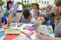Пътуваща библиотека на БНТ мина през Тополовград