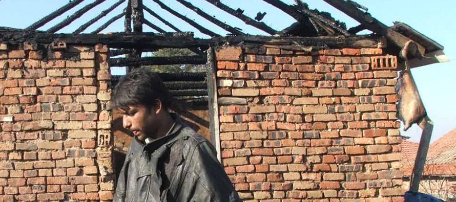Дете почина от пламъците на къща