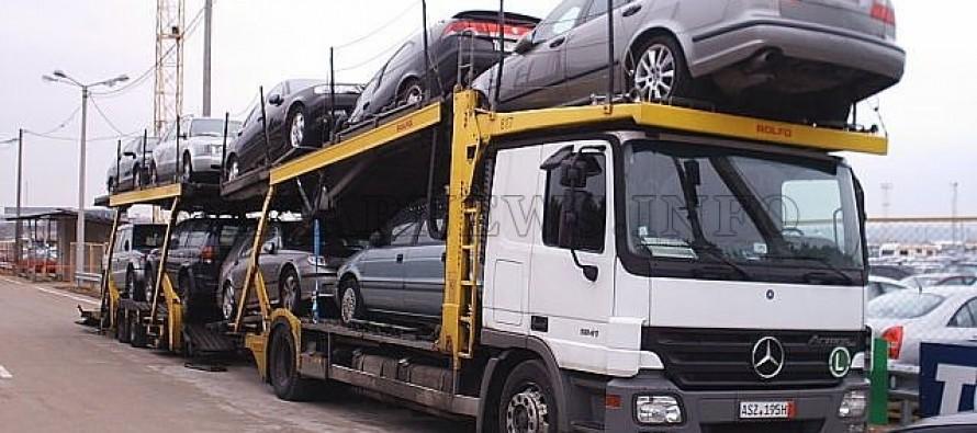 Арестуваха българин, превозващ  издирвани коли