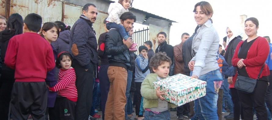 Бежанците в Харманли получиха коледни изненади