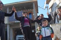 Танците на ромите по-пищни от трапезите на Банго Василий