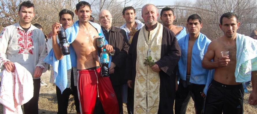 Деветима се гмурнаха за кръста в Симеоновград