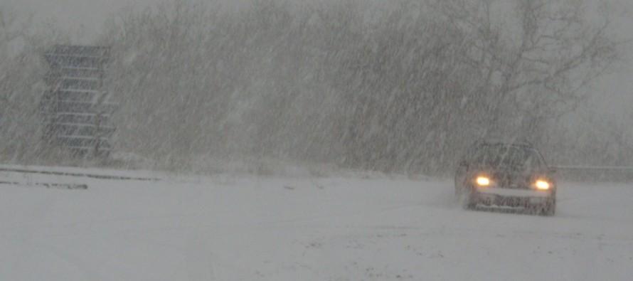 Снегът започна да трупа по високите места