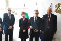 Служители от Митница Свиленград са наградени от централата им в София