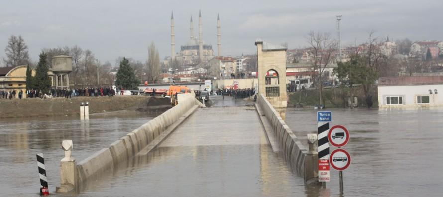 Турция се защитава от българските наводнения