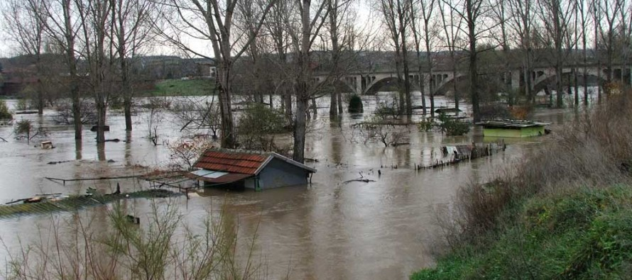 Проливен дъжд пресуши чешмите на 10 селища