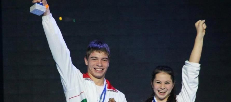 Виктор Алеков спечели две стипендии за обучение в чужбина