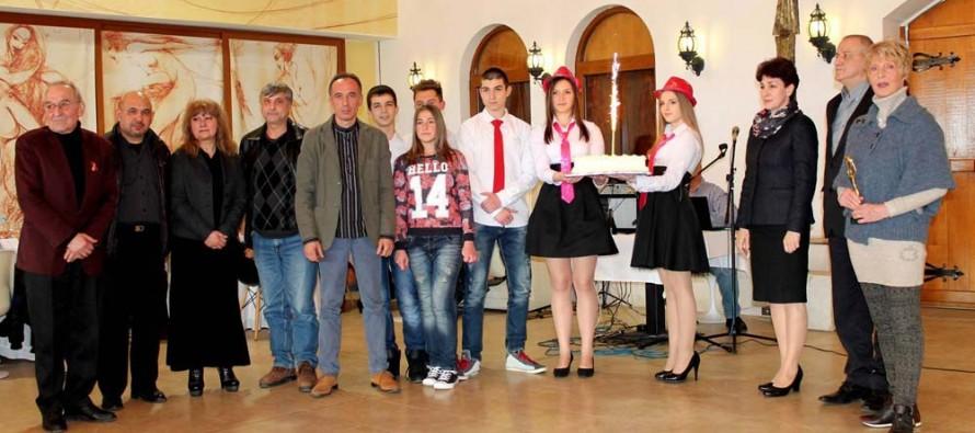 Поетеса от Бургас взе наградата на свиленградски конкурс