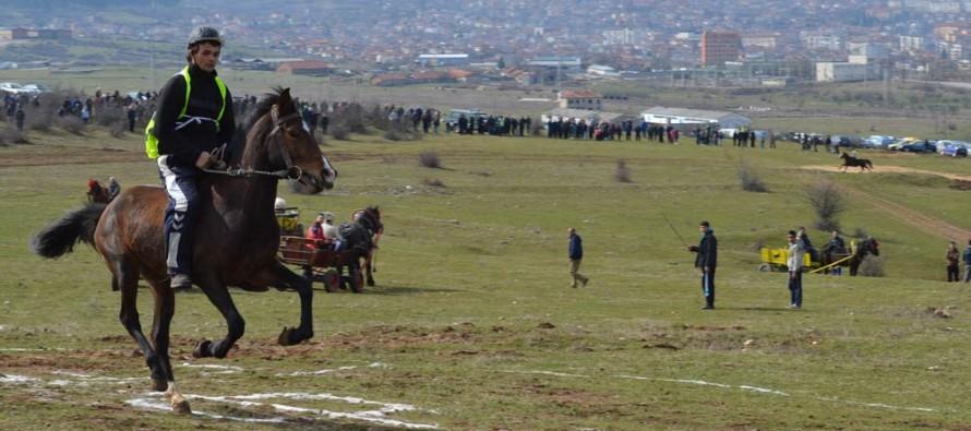 """Кушията в Тополовград тази година се проведе до параклиса """"Св. Петка"""""""