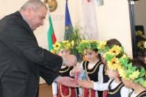 Лазарки разкрасиха Община Любимец