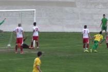 """Асеновец"" отнесе 2 гола, а охранител пострада"