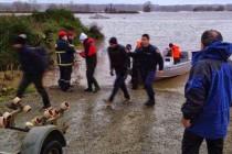Гръцката полиция спаси 69 емигранти, заклещени на остров