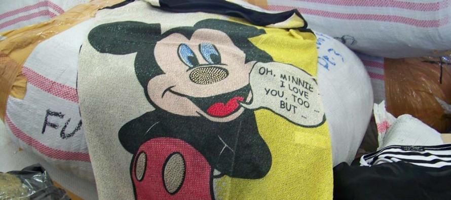 Митничари заловиха чорапи и тениски, имитиращи известни марки