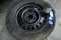 Хванаха контрабандисти с натъпкани цигари в гумите на колите им
