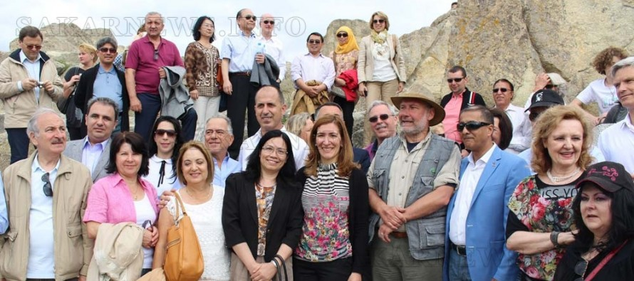 Дипломати от 38 държави посетиха Перперикон