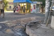 БМВ се заби в стълб в центъра на Харманли
