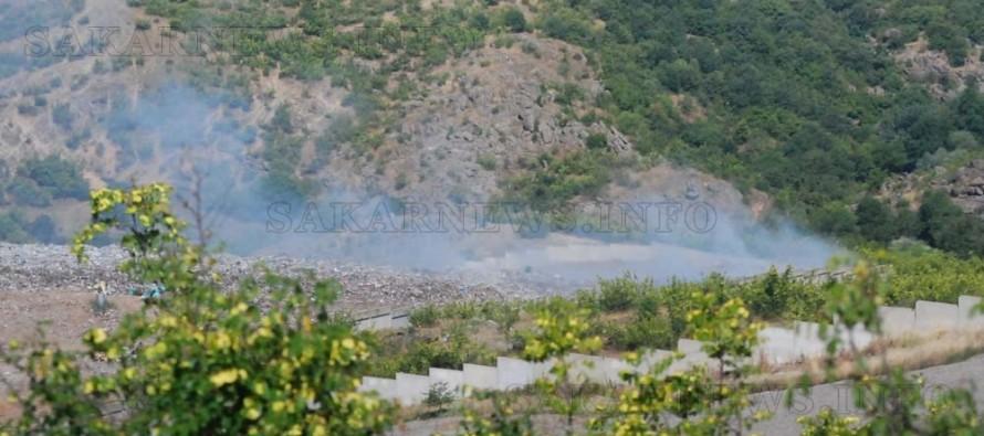 Боклуците на харманлийското сметище продължават до горят