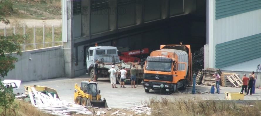 Счупи се един от камионите на чистотата в Харманли