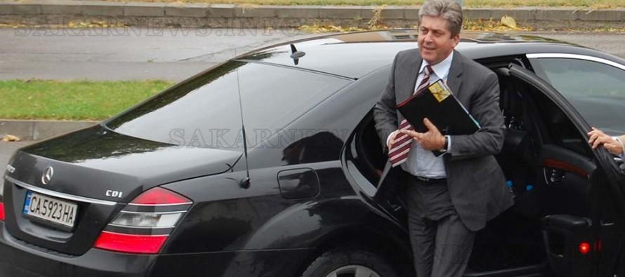 Георги Първанов идва на среща в Харманли