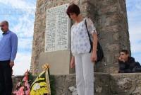 Ученици и служители поднесоха венци пред паметника на връх Шейновец