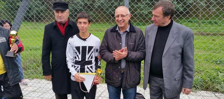 Атанас Бързев раздаде награди на най-добрите футболисти