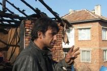 Дете изгоря в пламъците на къща