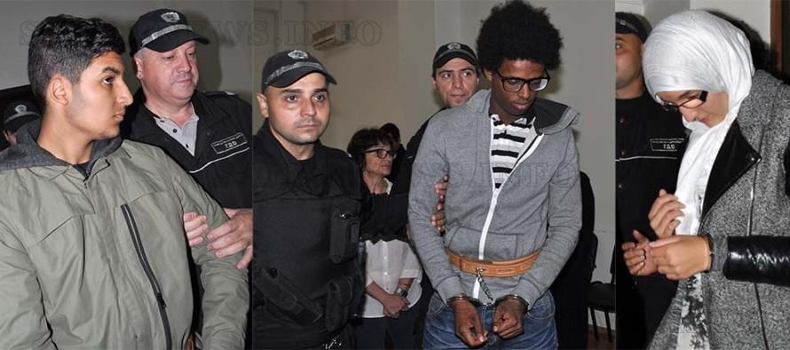 Екстрадират тримата холандци в родината им, където ги обвиняват в тероризъм