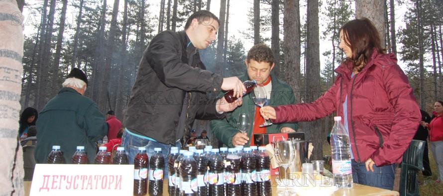 Предстои традиционният празник на домашното червено вино 2015