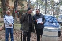 Свещеникът отец Живко стана победител в конкурса за най-добро вино
