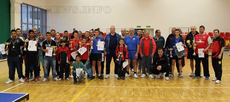 """Над 30 тенисисти се състезаваха за """"Купата на кмета"""""""