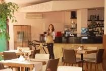 """Панацея"" посреща клиенти  с апетитна кухня и нов интериор"