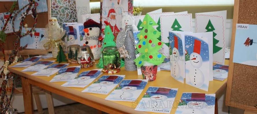 Малки самодейци събират пари за костюми чрез Коледен базар