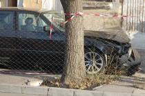 """БМВ """"паркира"""" на тротоар в Харманли"""