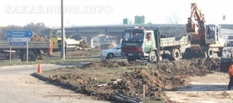 Усилено работят за пускането на магистралата