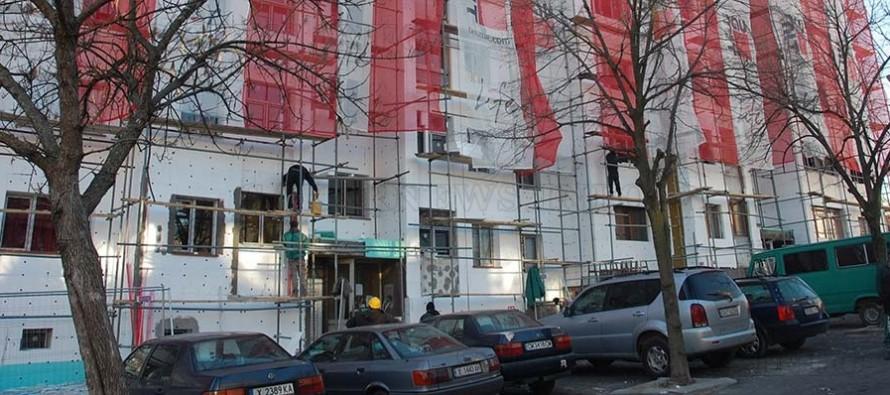 Санирането на блок в Симеоновград се превърна във всенародно дело