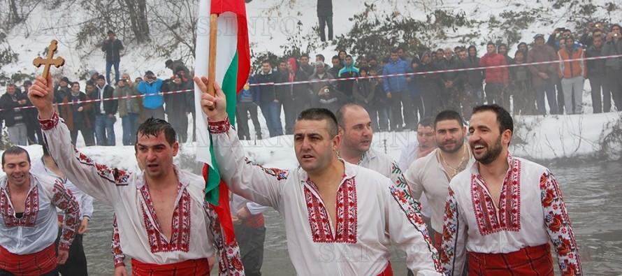 Владимир Чолаков извади светинята от река Харманлийска