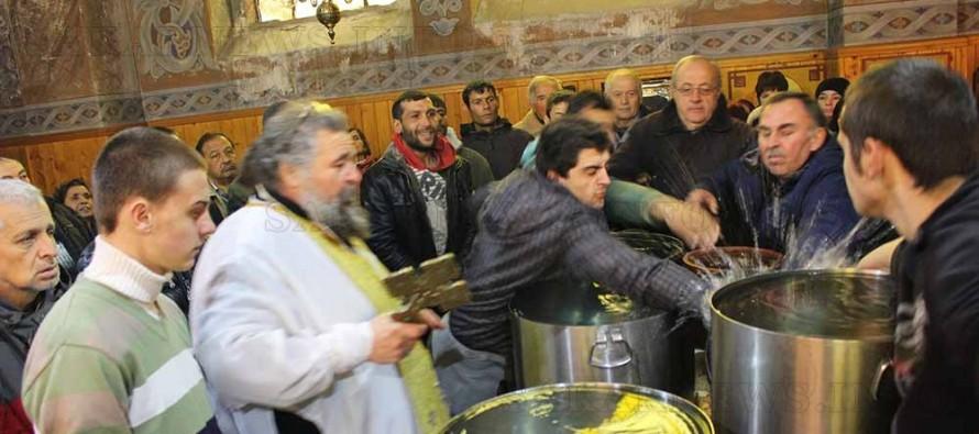 Отново две момчета извадиха богоявленския кръст на Йордановден в Любимец