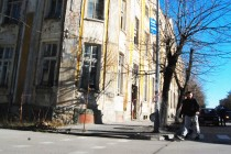Старите сгради продължават да бъдат опасни за хората