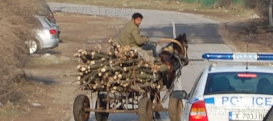 Горски задържаха поредната каруца с незаконни дърва
