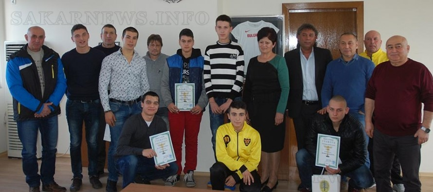Наградиха състезатели и треньори от спортните клубове на Харманли