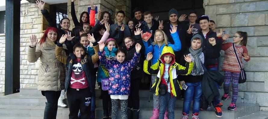 """Ученици преживяха незабравими  лагерни дни с """"IT ЗНАЙКО ВАКАНЦИЯ"""""""