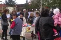 Организираха благотворителен базар за мартеници в Елхово