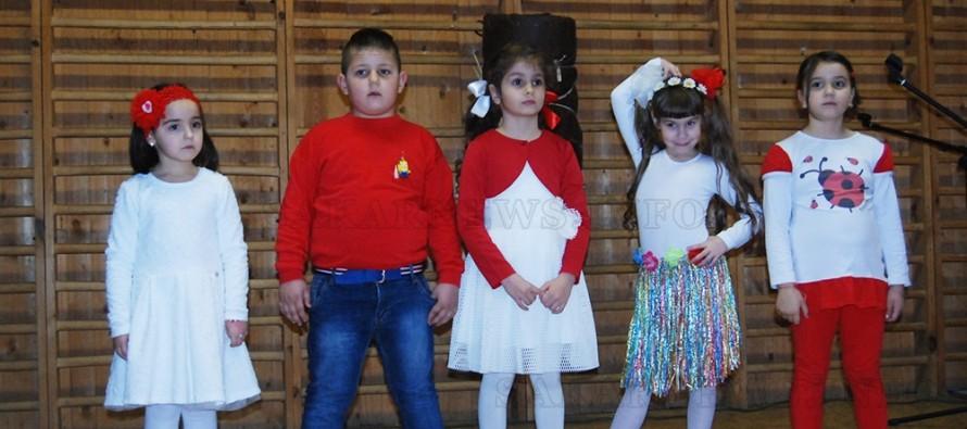 """С дискотека децата на читалище  """"Харманли"""" отпразнуваха първи март"""