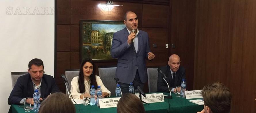 Цветан Цветанов дойде на форума на Предприемачи ГЕРБ в Хасково