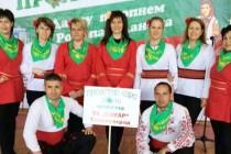 Тополовградчани извиха хоро във Велинград
