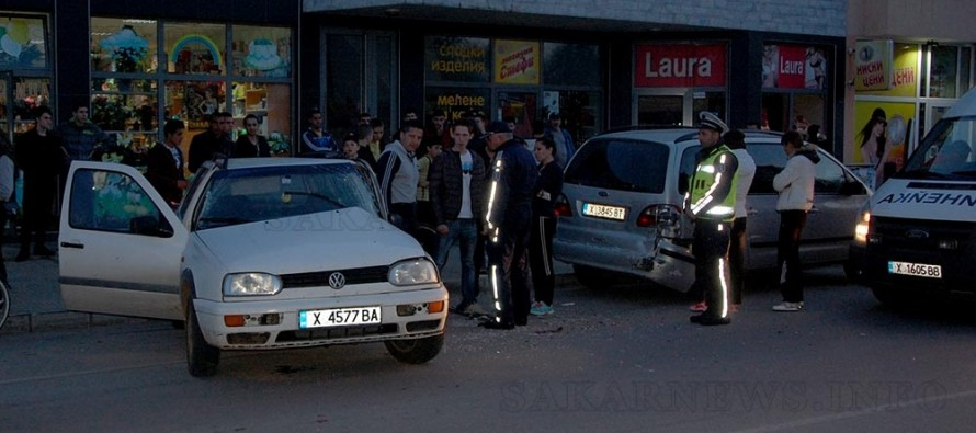 Фолксваген блъсна спрял Форд  при изпреварване