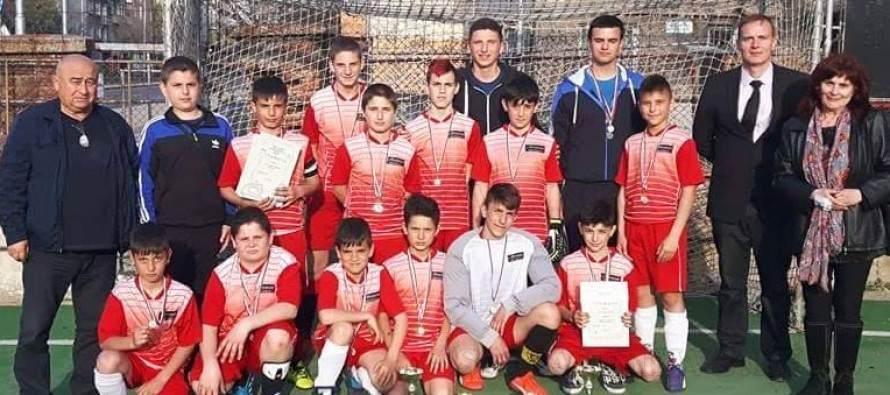 """Хокеистите на """"Хеброс"""" се  завърнаха позлатени от Пловдив"""
