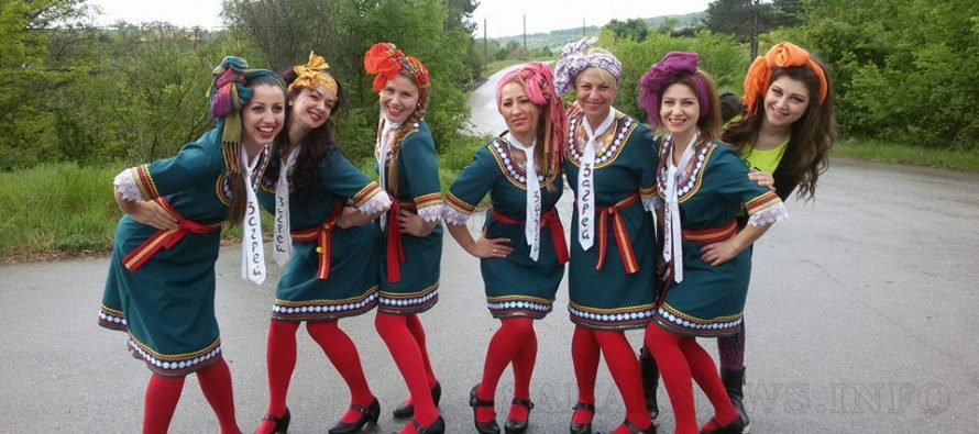 Самодейците от Доситеево и Харманли  обраха наградите от фолклорен фестивал