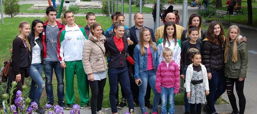 Най-добрият спортист на България  Габриела Петрова подреди спортните клубове в алея на славата