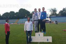 Спортисти пожънаха успехи от турнири в два града